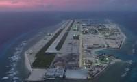 Hình ảnh trên truyền hình Trung Quốc về một căn cứ trên đảo nhân tạo mà nước này xây dựng trái phép ở biển Đông