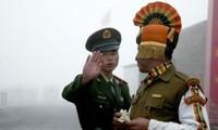 Lính biên phòng Trung Quốc và Ấn Độ trên biên giới
