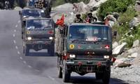 Một đoàn xe quân sự Ấn Độ đang tiến về Ladakh, nơi đang diễn ra căng thẳng với Trung Quốc