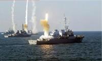 Các khu trục lớp Arleigh Burke của hải quân Mỹ phóng tên lửa phòng không