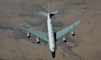 Một chiếc RC-135W của Không quân Mỹ