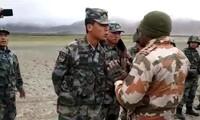 Lính Trung Quốc và Ấn Độ trong một lần đụng độ ở biên giới