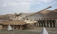 Lính Trung Quốc tập 'chịu đựng' xe tăng bò qua người để làm gì?
