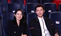 """Hyun Bin ôm lấy Son Ye Jin hạnh phúc khi """"Hạ cánh nơi anh"""" được chuyển thể thành nhạc kịch"""