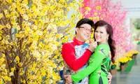 """Cặp vợ chồng """"đáng nể"""" nhất showbiz Việt: Mối tình dìu dắt nhau qua biết bao đêm dài"""