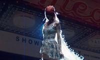 Rosé lần đầu thổ lộ tình cảm bằng lời với chiếc váy gần 300 triệu đồng của NTK Công Trí