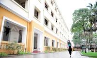 Sinh viên ở ký túc xá Mễ Trì trong những ngày 'cách ly toàn xã hội'