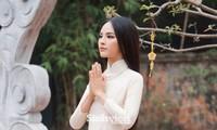 """Miss Charm Quỳnh Nga - hơn cả một gương mặt """"đẹp như nữ thần"""""""