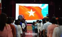 Lễ khai giảng ấn tượng của trường THPT chuyên KHXHNV đầu tiên ở Việt Nam