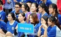 Ngắm nam thanh, nữ tú ĐH Mở Hà Nội tranh tài tại giải bóng đá sinh viên