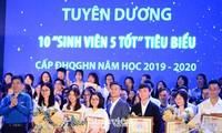 """199 """"Sinh viên 5 tốt"""" cấp ĐHQG Hà Nội được tuyên dương"""