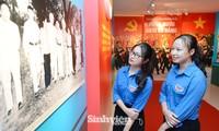 Hơn 300 tài liệu, hình ảnh và hiện vật tiêu biểu của tuổi trẻ Quân đội đã được giới thiệu