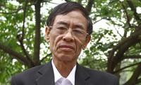 Điều ít biết về bài thơ nổi tiếng 'Chiếc lá đầu tiên' của nhà thơ Hoàng Nhuận Cầm