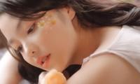 Hồng Kim Hạnh tung ảnh hững hờ, ngọt ngào quyến rũ