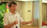 GS Ngô Việt Trung. Ảnh: Lê Văn