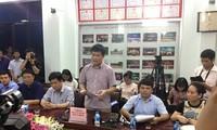 Ông Sái Công Hồng (giữa) đọc bản kết luận thẩm tra, rà soát mà trong cuộc họp không cho phóng viên hỏi. *ảnh: Duy Chiến