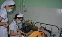 Một cô giáo hiện đang được điều trị tại Bệnh viện. Ảnh: TT