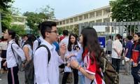 Đề thi môn Toán lớp 10 của bốn trường chuyên Hà Nội khó mức nào? 