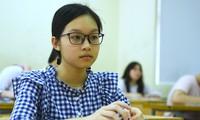 Băn khoăn thi lớp 10 ở Hà Nội: 8 điểm mỗi môn vẫn trượt, 3 điểm đỗ