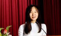 Thủ khoa Đỗ Thị Phương Huệ, sinh viên lớp Truyền hình chất lượng cao K39, Học viện Báo chí và Tuyên truyền