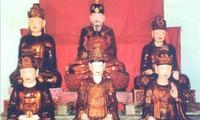Vị vua đầu tiên trong lịch sử Việt Nam lấy vợ phương Tây?