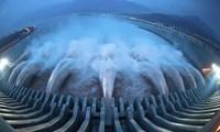 Có gì bên trong con đập Tam Hiệp lớn nhất thế giới, số lượng thép đủ xây 63 tháp Eiffel?