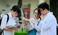Thí sinh dự thi vào lớp 10 tại Hà Nội. Ảnh: Như Ý