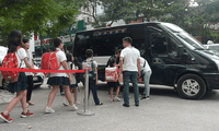 Trường tiểu học Đoàn Thị Điểm kỷ luật cô phụ trách xe 38 cùng lái xe vì bỏ quên học sinh trên xe đưa đón (ảnh mang tính chất minh hoạ) ẢNH TRẦN CƯỜNG