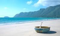 Bãi biển nào ở Quảng Ninh được mệnh danh 'trữ tình nhất Việt Nam'?