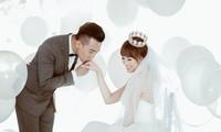 Những khoảnh khắc 'tình bể bình' của cặp đôi từng gây tranh cãi nhất showbiz Việt