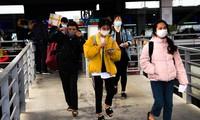 Bến xe đông đúc dòng người về quê đón Tết Dương lịch