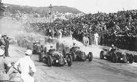 Giải đua xe Công thức 1 bắt nguồn từ các giải Grand Prix tổ chức từ những năm 1920 và 1930.