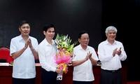 Thường trực Tỉnh ủy Sơn La chúc mừng đồng chí Hoàng Quốc Khánh.