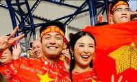 Dàn Hoa, Á hậu hừng hực khí thế chờ xuống đường mừng U22 Việt Nam vô địch!