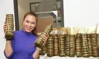 Sao Việt 29 Tết: Mỹ Tâm trổ tài gói bánh chưng gù điêu luyện khiến fan ngưỡng mộ