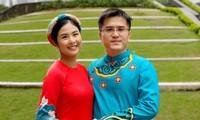 Ngọc Hân mặc áo dài du Xuân cùng đại gia đình bạn trai ngày mùng 1 Tết