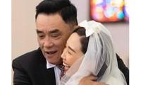Mẹ không về dự hôn lễ, bố Tóc Tiên thay lời xúc động mừng hạnh phúc con gái