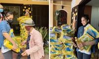 Hoa hậu Tiểu Vy giản dị, mang gạo tặng đồng hương giữa dịch COVID