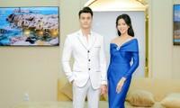 Hoa hậu Đỗ Thị Hà diện váy trễ vai nóng bỏng, khoe sắc rực rỡ bên siêu mẫu Vĩnh Thụy