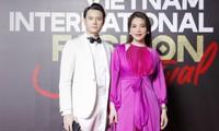 Trương Ngọc Ánh tình tứ sánh vai 'bạn trai tin đồn' Anh Dũng trên thảm đỏ thời trang
