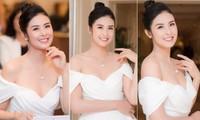 Hoa hậu Ngọc Hân diện váy trễ vai gợi cảm, rạng rỡ đón sinh nhật tuổi 32 bên bố mẹ