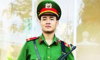 Chiến sĩ nghĩa vụ Phan Văn Bá đỗ thủ khoa khối C03