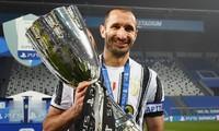 Juventus tiếp tục dang tay, 'cứu' nhà vô địch EURO Chiellini khỏi cảnh thất nghiệp
