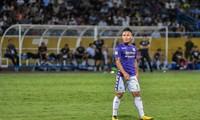 Nén đau vào sân, Quang Hải không 'giải cứu' được Hà Nội FC
