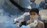 Khẩn cấp lấy mẫu xét nghiệm 1.500 học sinh trường tiểu học Xuân Phương - Hà Nội