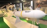 Cường kích Ấn Độ thử nghiệm 'sát thủ diệt hạm' Harpoon