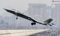 Trung Quốc khoe tiêm kích J-20 sau ngày 'nhập ngũ'