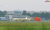 [ẢNH] Tiêm kích J-20 Trung Quốc xuất hiện với nước sơn lạ
