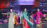 Một trong 3 cô gái này sẽ trở thành Người đẹp Du lịch trong đêm chung kết Hoa hậu Việt Nam 16/9- truyền hình trực tiếp trên VTV1, VTV9 và nhiều đài địa phương- Ảnh: Hoàng Mạnh Thắng