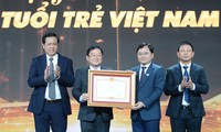 Thủ tướng Chính phủ tặng Bằng khen Qũy Hỗ trợ Tài năng trẻ Việt Nam